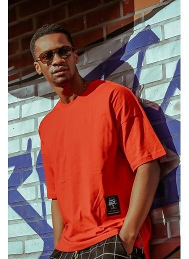 XHAN Kırmızı Yanı Fermuarlı Oversize T-Shirt 1Kxe1-44586-04 Kırmızı